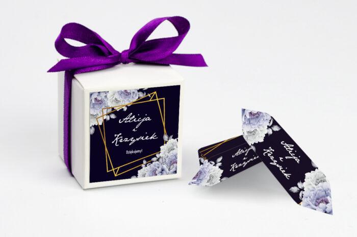 Ozdobne pudełeczko z personalizacją - Kontrastowe z kwiatami - Niebieskie róże