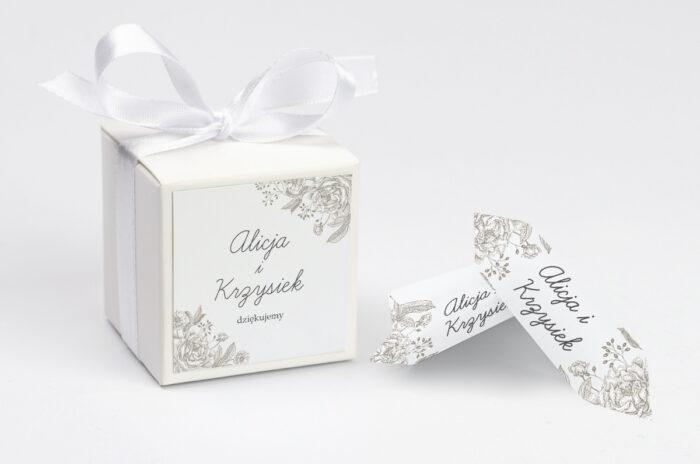 ozdobne-pudeleczko-z-personalizacja-kwiatowe-tla-konturowa-roza-kokardka--krowki-z-dwiema-krowkami-papier--pudelko-