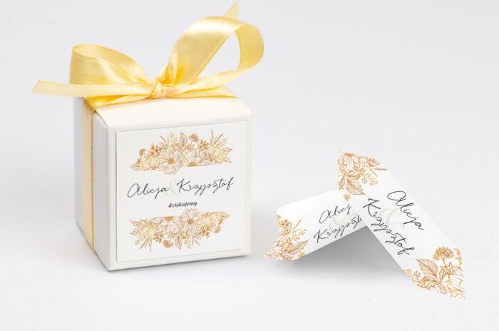ozdobne-pudeleczko-z-personalizacja-jednokartkowe-z-kwiatami-zlote-kwiaty-kokardka--krowki-z-dwiema-krowkami-papier--pudelko-