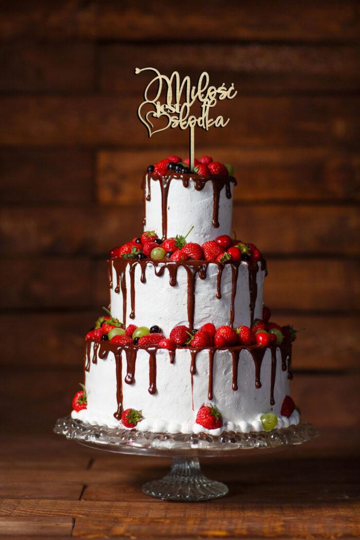 topper-na-tort-weselny-z-napisem-milosc-jest-slodka